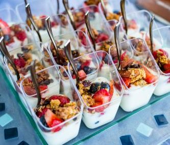 wedding reception ideas nautical themed wedding catering yogurt cups close up